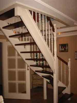 A houtdraaierij eerenberg balusters trap spijlen uit voorraad leverbaar - Binnen trap ...