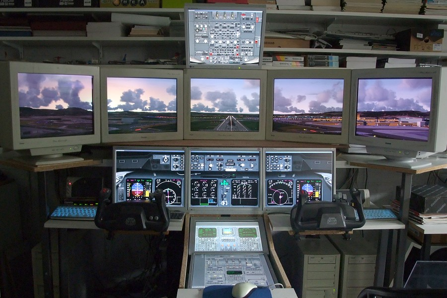Software Based Flight Simulator With 4 Pc S And 10 Monitors
